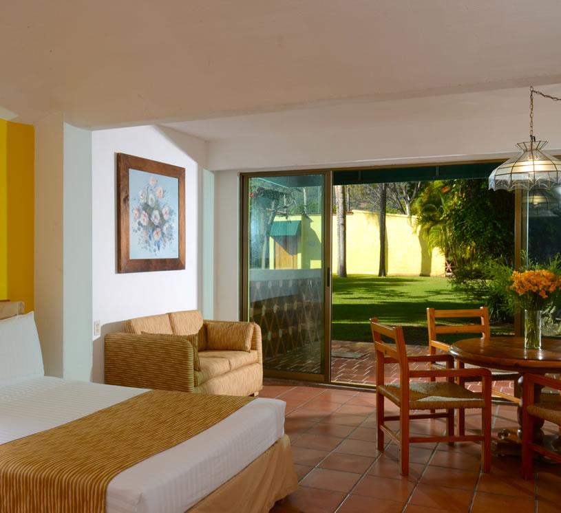 Habitación Vista al jardín primer piso, Habitación Real de Chapala