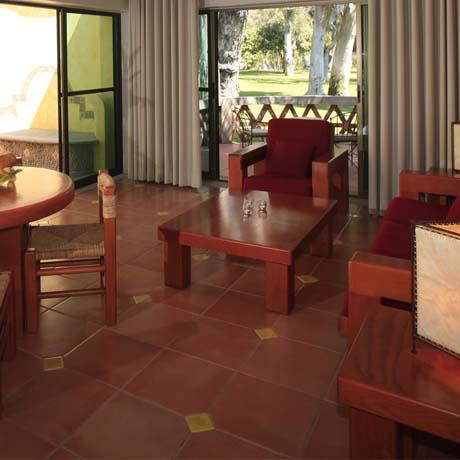 Hotel Real de Chapala, Servicio a la habitación